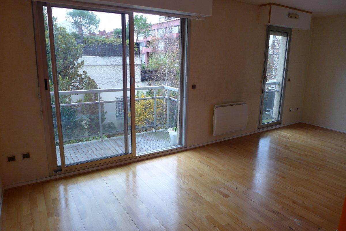 Genial Location Appartement 1 Pièce (studio)   27m² 92120 Montrouge